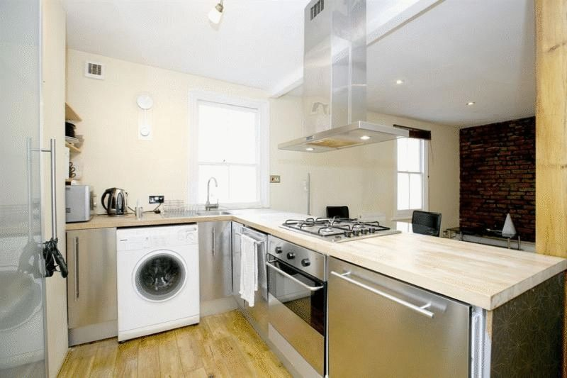 1 bed Period Conversion for rent in Hammersmith. From Ashley Milton Estate Agents