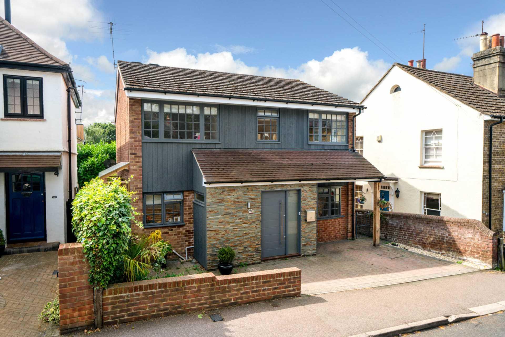 4 bed Detached House for rent in Hemel Hempstead. From David Doyle (Boxmoor/Hemel Hempstead)