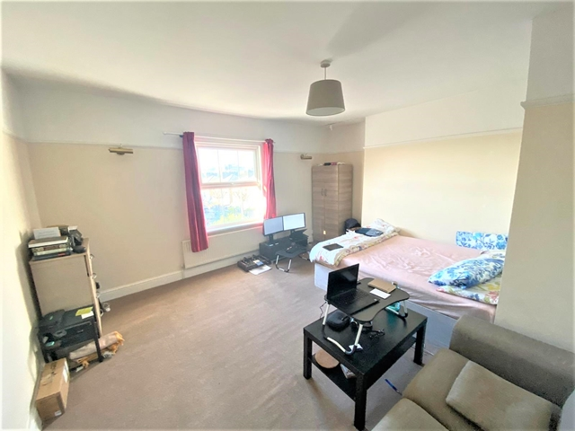 2 bed Flat for rent in London. From Sharpes Estates