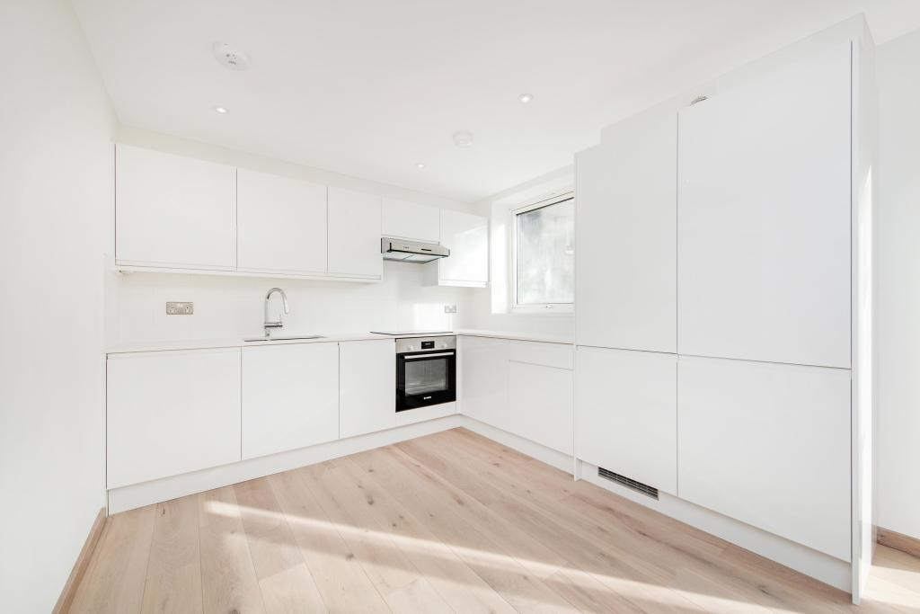 2 bed Flat for rent in North Southwark. From Daniel Watney - London