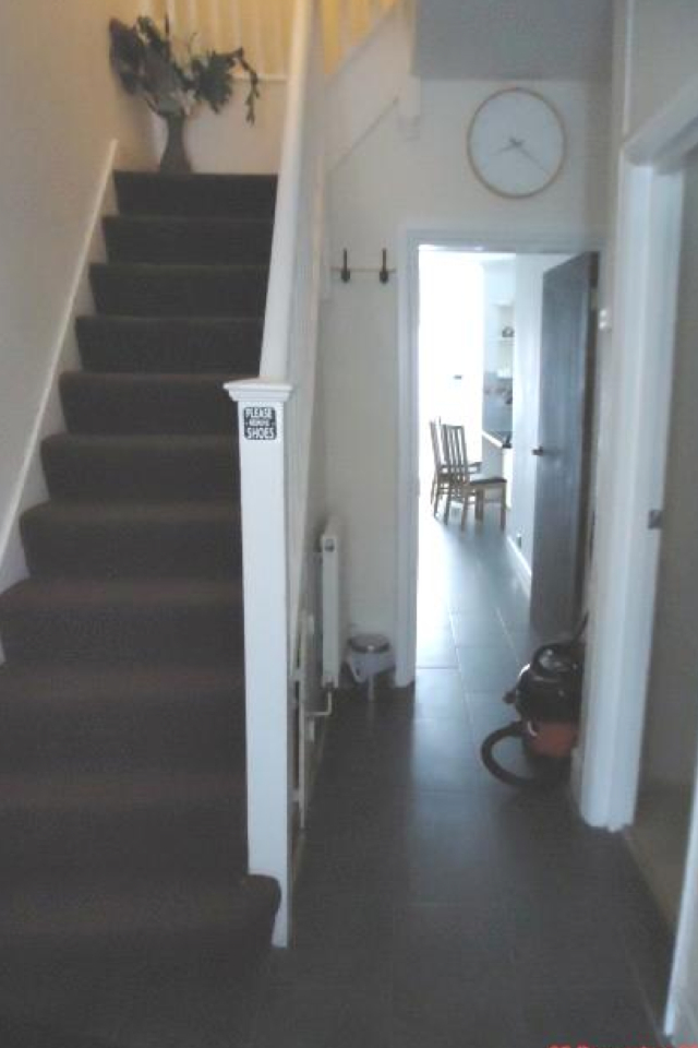 1 bed House (unspecified) for rent in London. From sole estates