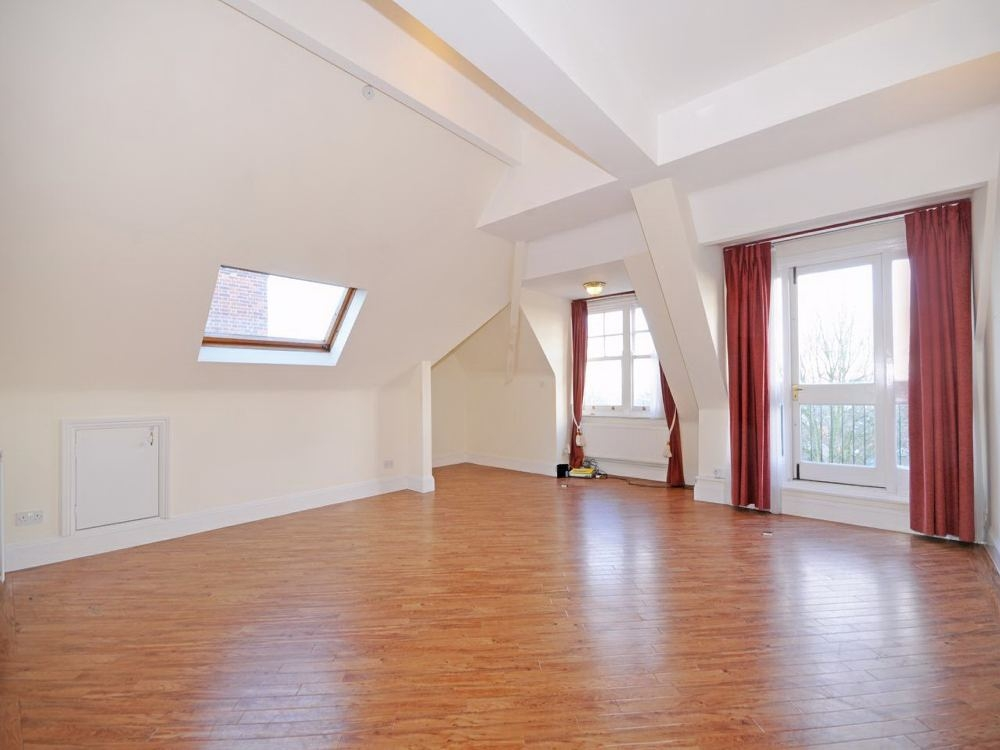 3 bed Detached House for rent in London. From Regents Residential