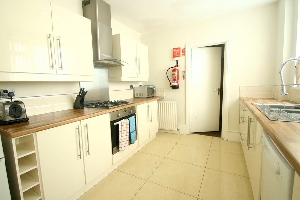 6 bed House for rent in Newcastle upon Tyne. From Daley Lettings  - Newcastle Upon Tyne