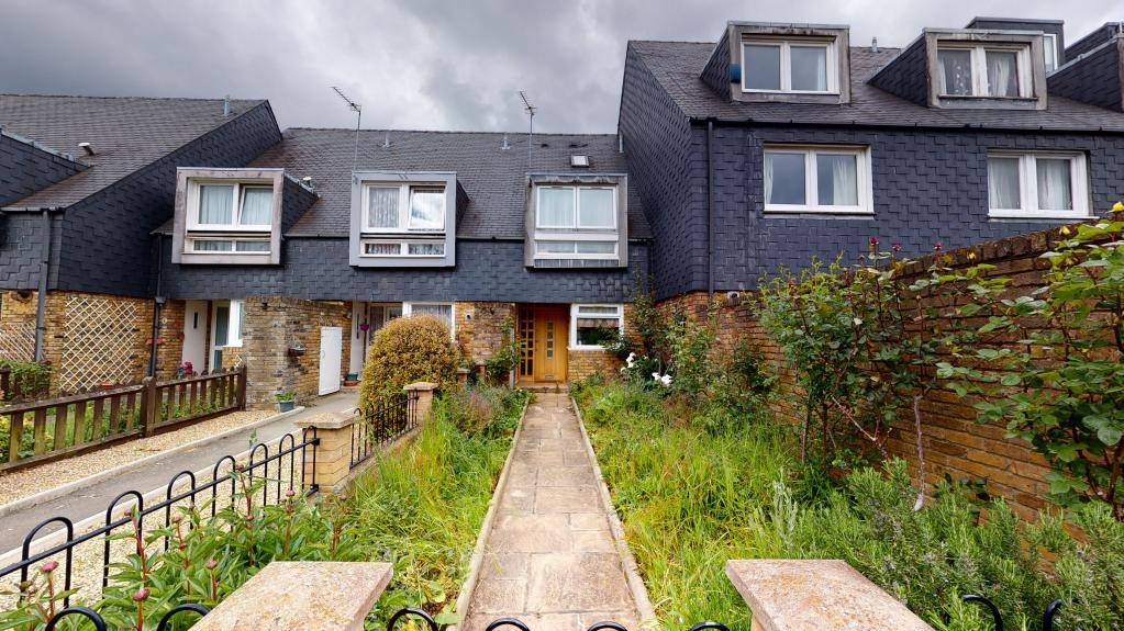 3 bed Terraced for rent in London. From Rentd - London