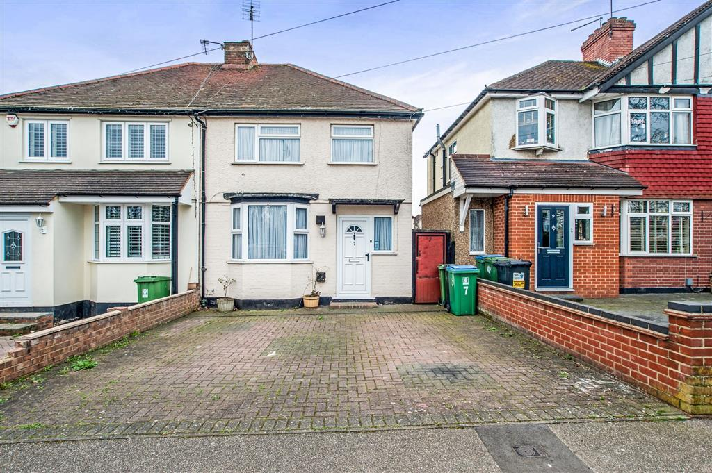 3 bed Semi-Detached House for rent in Watford. From Brown and Merry - Watford